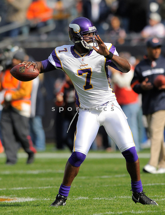 TARVARIS JACKSON, of the Minnesota Vikings  in action against the Chicago Bears during the Vikings game in Chicago, IL  on October 19, 2008... The Buccaneers won the game 48-41