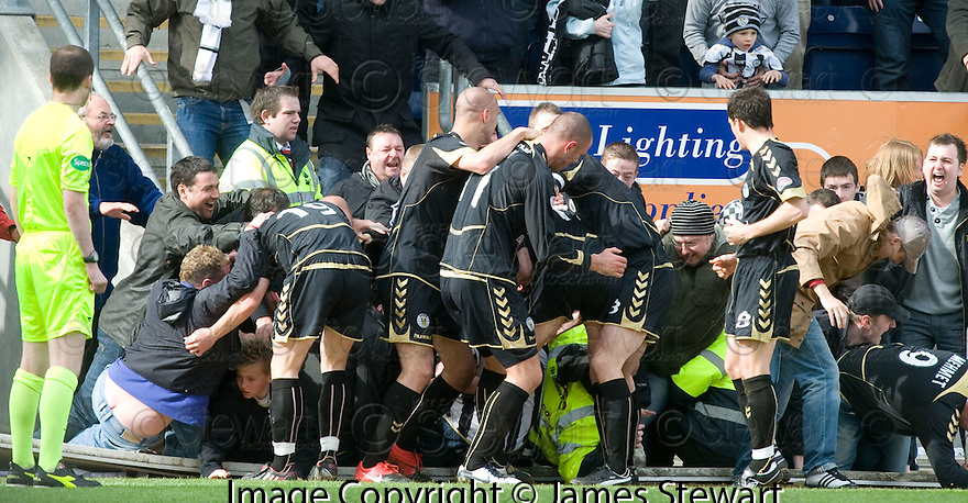 01/05/2010   Copyright  Pic : James Stewart.sct_jsp21_falkirk_v_st-mirren  .::  STEPHEN O'DONNELL IS CONGRATULATED AFTER SCORING THE EQUALISER ::  .James Stewart Photography 19 Carronlea Drive, Falkirk. FK2 8DN      Vat Reg No. 607 6932 25.Telephone      : +44 (0)1324 570291 .Mobile              : +44 (0)7721 416997.E-mail  :  jim@jspa.co.uk.If you require further information then contact Jim Stewart on any of the numbers above.........