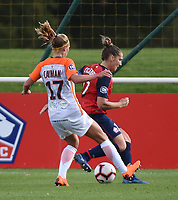 20181027 - CAMPHIN-EN-PEVELE , FRANCE : LOSC's Maud Coutereels (R) and Montpellier's Janice Cayman (L) pictured during the 8 th competition game between the women teams of Lille OSC and Montpellier Herault Sporting Club in the 2018-2019 season of the first Division - Ligue 1 at Domaine de Luchin , Saturday 27th Octobre 2018 ,  PHOTO Dirk Vuylsteke | Sportpix.Be