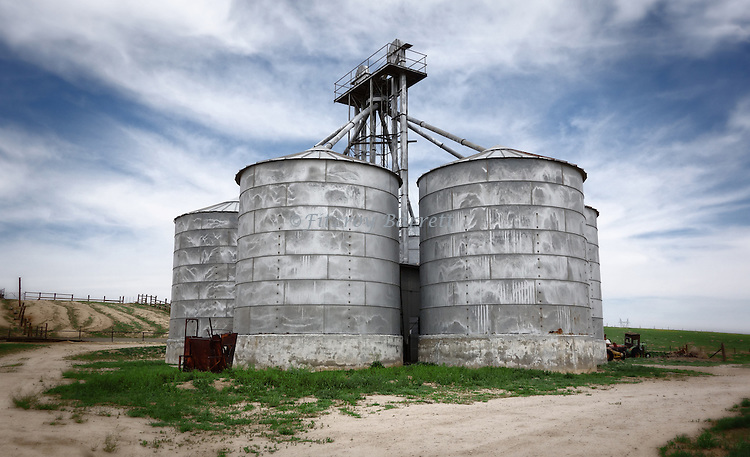 Old Grain Silo in Antelope Valley California April 17, 2014. ©Fitzroy Barrett