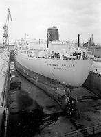 April 1962.  Scheepswerf Mercantile Marine Engineering in Antwerpen.  Schip Benjamin Coates uit Monrovia.