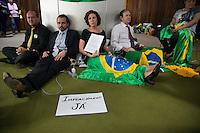 BRASILIA, DF, 03.11.2015 - PROTESTOS-DF- Manifestantes pró-impeachment da presidente Dilma Rousseff, ainda acampados no gramado em frente ao Congresso Nacional, nesta terça-feira, 03.(Foto:Ed Ferreira/Brazil Photo Press)