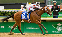 LOUISVILLE, KY - MAY 04: Mia Mischief #3, ridden by Ricardo Santana Jr wins the Eight Bellesduring an undercard race on Kentucky Oaks Day at Churchill Downs on May 4, 2018 in Louisville, Kentucky. (Photo by Sue Kawczynski/Eclipse Sportswire/Getty Images)