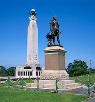 Great Britain, England, Devon, Plymouth: Sir Francis Drake Statue and Seamen's War Memorial on Plymouth Hoe | Grossbritannien, England, Devon, Plymouth: Sir Francis Drake Statue und Seamen's War Memorial am Plymouth Hoe