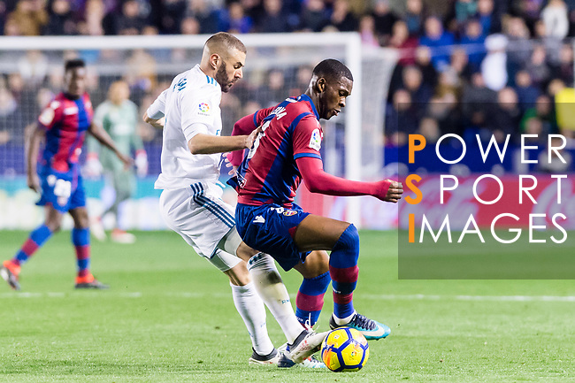 Jefferson Lerma of Levante UD (R) fights for the ball with Karim Benzema of Real Madrid (L) during the La Liga 2017-18 match between Levante UD and Real Madrid at Estadio Ciutat de Valencia on 03 February 2018 in Valencia, Spain. Photo by Maria Jose Segovia Carmona / Power Sport Images