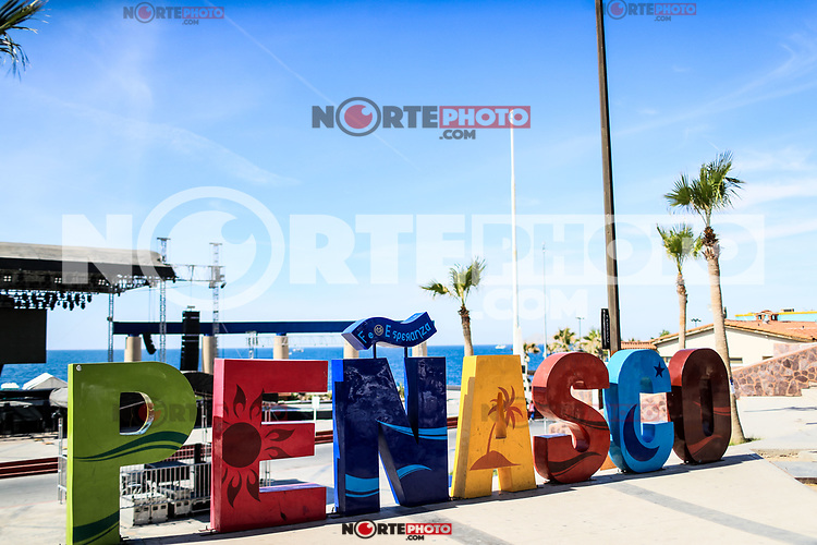 Letters of various colors with the word Penasco in the tourist destination called Puerto Penasco, Sonora, Mexico.<br /> (Photo: Luis Gutierrez /NortePhoto.com)<br /> <br /> Letras de varios colores con la palabra Peñasco en el destino turistico llamado Puerto Peñasco, Sonora, Mexico.<br /> (Photo: Luis Gutierrez /NortePhoto.com)