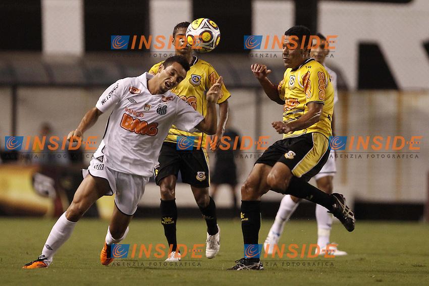 Bildnummer: 07432293  Datum: 26.02.2011  Copyright: imago/Fotoarena<br /> Felipe Anderson (li.) --- FC Santos vs. Sao Bernardo FC - Campeonato Paulista x(181)xLuizxFernandoxMenezesx/xFox PUBLICATIONxNOTxINxBRA (3682); Fussball Herren BRA Aktion vdig xmk 2011 quer <br /> <br /> Image number 07432293 date 26 02 2011 Copyright imago  Felipe Anderson said left FC Santos vs Sao Bernardo FC Campeonato Paulista X 181   PUBLICATIONxNOTxINxBRA  Football men BRA Action shot Vdig xmk 2011 horizontal   <br /> Foto imago/Insidefoto