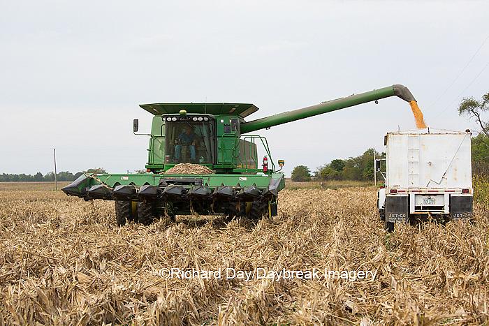 63801-07009 Farmer harvesting corn, Marion Co., IL