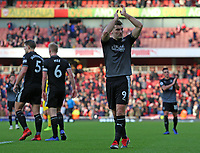 Burnley's Sam Vokes applauds the fans at the final whistle <br /> <br /> Photographer David Shipman/CameraSport<br /> <br /> The Premier League - Arsenal v Burnley - Saturday 22nd December 2018 - The Emirates - London<br /> <br /> World Copyright © 2018 CameraSport. All rights reserved. 43 Linden Ave. Countesthorpe. Leicester. England. LE8 5PG - Tel: +44 (0) 116 277 4147 - admin@camerasport.com - www.camerasport.com