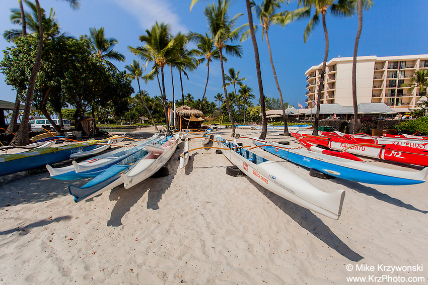 Outrigger canoes on Kamakahonu Beach in front of King Kamehameha's Kona Beach Hotel in Kailua-Kona, Big Island, Hawaii
