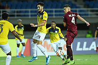 PEREIRA – COLOMBIA, 24-01-2020: Josua Mejias de Venezuela disputa el balón con Leonardo Campana de Ecuador durante partido entre Venezuela y Ecuador por la fecha 3, grupo A, del CONMEBOL Preolímpico Colombia 2020 jugado en el estadio Hernán Ramírez Villegas de Pereira, Colombia. / Josua Mejias of Venezuela fights the ball with Leonardo Campana of Ecuador during the match between Venezuela and Ecuador for the date 3, group A, for the CONMEBOL Pre-Olympic Tournament Colombia 2020 played at Hernan Ramirez Villegas stadium in Pereira, Colombia. Photo: VizzorImage / Julian Medina / Cont