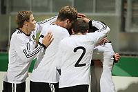 Torjubel um Konstantin Rausch (D) beim 1:0