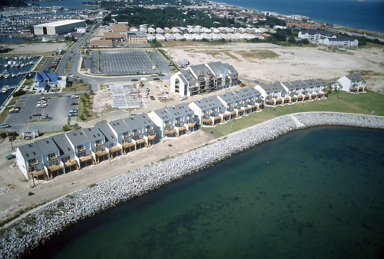 1990 September 26..Redevelopment.East Ocean View..LOOKING NORTHWEST AT WATERFRONT CONDOS.MOORES POINT..NEG#.NRHA#..