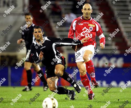2008-09-27 / Voetbal / R. Antwerp FC - Brussels / Darko Pivaljevic (r) met Toyes van Brussels..Foto: Maarten Straetemans (SMB)