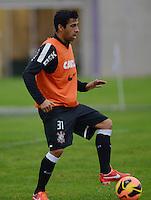 SÃO PAULO,SP, 25 Junho 2013 -  Maldonado durante treino do Corinthians no CT Joaquim Grava na zona leste de Sao Paulo, onde o time se prepara  para o campeonato brasileiro. FOTO ALAN MORICI - BRAZIL FOTO PRESS