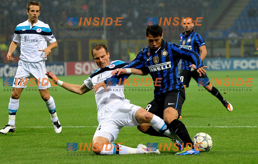 "Mauro ZARATE (Inter), David ROZEHNAL (Lille).Milano 2/11/2011 Stadio ""Giuseppe Meazza"".Champions League 2011/2012.Football Calcio Inter Vs Lille.Foto Insidefoto Alessandro Sabattini."