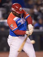 Ruben Goptay, de Criollos de Caguas de Puerto Rico quiera el bat ante los lanzamientos de Raul Valdes,  durante la Serie del Caribe en estadio Panamericano en Guadalajara, México, jueves 8 feb 2018.  (Foto: Luis Gutierrez)