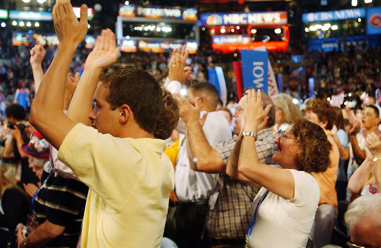 7/26/04.2004 DEMOCRATIC NATIONAL CONVENTION--Crowds cheer former Vice President and 2000 presidential candidate Al Gore during the convention..CONGRESSIONAL QUARTERLY PHOTO BY SCOTT J. FERRELL
