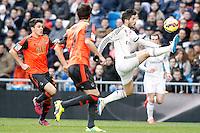 Real Madrid's Isco (r) and Real Sociedad's Gorka Elustondo (l) and Mikel Gonzalez (c) during La Liga match.January 31,2015. (ALTERPHOTOS/Acero) /NortePhoto<br /> /NortePhoto.com