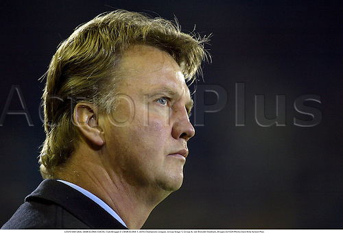 LOUIS VAN GAAL (BARCELONA COACH), Club Brugge 0 v BARCELONA 1, UEFA Champions League, Group Stage 1, Group H, Jan Breydel Stadium, Bruges 021029 Photo:Glyn Kirk/Action Plus...2002.Football soccer.brugges.manager managers coaches portrait...