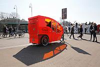 Nederland Amsterdam  2016 03 13.  Fietstaxi op het Museumplein.  Foto Berlinda van Dam / Hollandse Hoogte