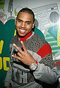 "NEW YORK - NOVEMBER 06:  Chris Brown visits MTV's ""TRL"" Studios in Times Square on November 6, 2007 in New York City.  (Photo by Soul Brother/FilmMagic)"