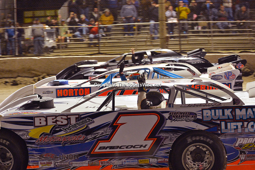 Feb 18, 2014; 10:04:23 PM;  Barberville, FL, USA;  World of Outlaws Late Model Series for 43rd Annual DIRTcar Nationals presented by Summit Racing Equipment at Volusia Speedway Park.  Mandatory Credit: (thesportswire.net)