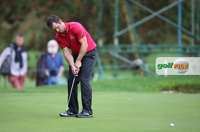 Solid putting from Team GB & Ireland's Paul Casey (ENG) ensures half a point for his team during the Fourball Matches on Day One at the Seve Trophy by Golf+ 2013, from Saint-Nom-La-Breteche, Paris, France. Picture:  David Lloyd / www.golffile.ie