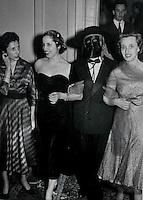 Carla Porta Musa,poetessa e  scrittrice, è nata a Como nel Marzo 1902. Qui durante una festa mascherata, carnevale 1953