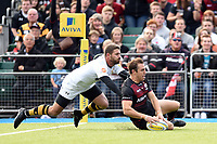 Chris Wyles of Saracens scores a try in the first half. Aviva Premiership match, between Saracens and Wasps on October 8, 2017 at Allianz Park in London, England. Photo by: Patrick Khachfe / JMP