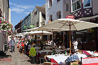 Great Britain, England, Berkshire, Windsor: Outdoor restaurants in the old town | Grossbritannien, England, Berkshire, Windsor: Restaurants in der Altstadt