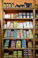 Egypte, Cairo, 5 mei 2007..Sekem hoofdkantoor te Cairo.Sekem headoffice.Producten van Sekem .products of Sekem.. Foto (c) Michiel Wijnbergh.