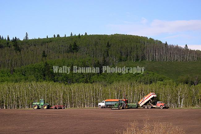 AGRICULTURE IN THE CANADIAN PRAIRIES<br /> GRAIN FARMING