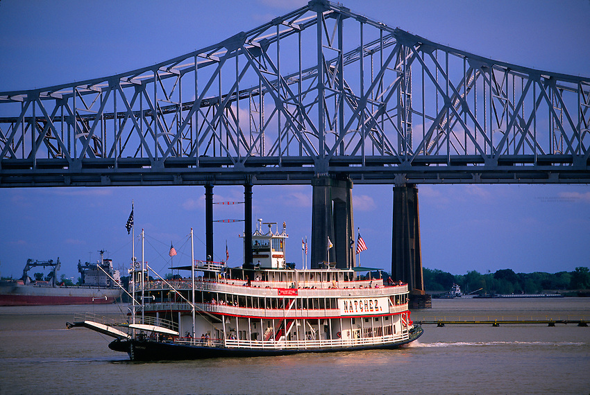 Steamboat Natchez on the Mississippi River with the Crescent City Connection bridge in background, New Orleans, Louisiana USA