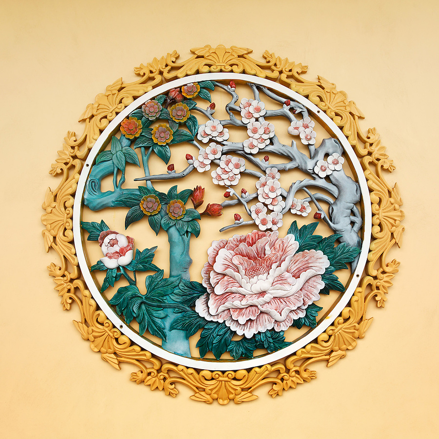 Wall decoration of flower blossoms on wall in the Ten Thousand Buddhas temple, Sha Tin, New Territories, Hong Kong SAR, People's Republic of China, Asia