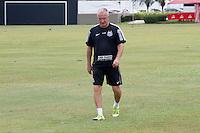 SANTOS, SP, 17.11.2015 - FUTEBOL-SANTOS - <br /> Dorival Jr. do Santos durante sessão de treinamento no Centro de Treinamento Rei Pelé nesta terça-feira, 17. (Foto: Flavio Hopp / Brazil Photo Press)