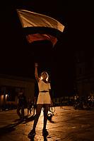 BOGOTA - COLOMBIA, 06-07-2018: Miles de personas se congregaron en la Plaza de Bolívar de Bogotá, Colombia, hoy, 06 de junio de 2018 en una Velatón Nacional para rechazar categóricamente los asesinatos de líderes sociales en el país con el lema #NosEstánMatando. La Velatón Nacional se realiza en simultaneo en las plazas de las principales ciudades de Colombia. / Thousands of people gathered in the Plaza de Bolivar in Bogotá, Colombia, today, June 6, 2018 in a National Velaton to categorically reject the assassinations of social leaders in the country with the slogan # NosEstanMatando. The National Velaton is carried out simultaneously in the squares of the main cities of Colombia.  Photo: VizzorImage / Diego Cuevas / Cont