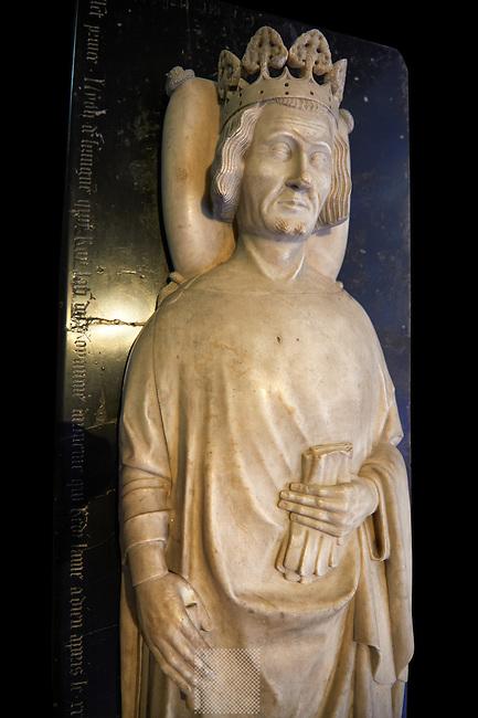 Medieval tomb of Leon V de Lusignan (1342 - 1393) King of Armenie 1374 to 1375. . The Gothic Cathedral Basilica of Saint Denis ( Basilique Saint-Denis ) Paris, France. A UNESCO World Heritage Site.