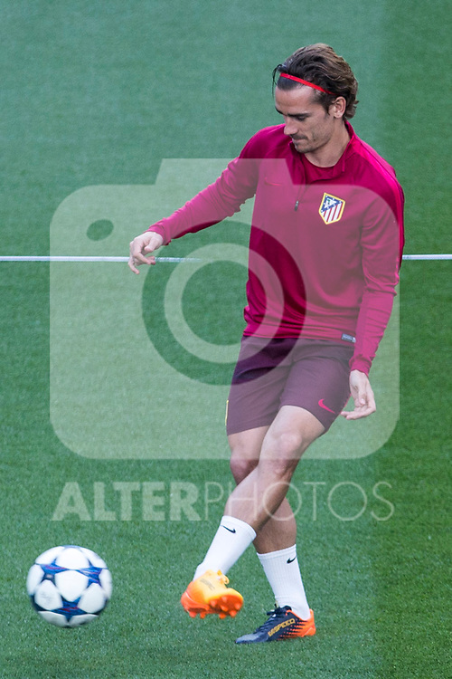 Antoine Griezmann of Atletico de Madrid during the training before the match of Champions League between Real Madrid and Atletico de Madrid at Santiago Bernabeu Stadium  in Madrid, Spain. May 01, 2017. (ALTERPHOTOS/Rodrigo Jimenez)