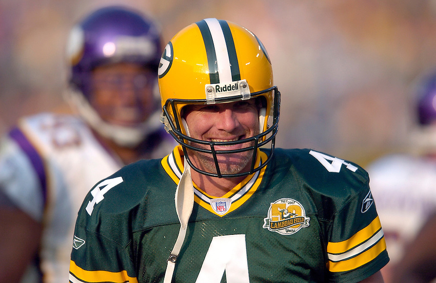 .Green Bay Packers quarterback Brett Favre plays against the Minnesota Vikings during the 2007 NFL season.