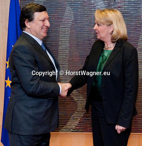 Brussels-Belgium, March 07, 2012 -- Jose (José) Manuel BARROSO (le), President of the European Commission, receives Hannelore KRAFT (ri), Prime Minister / Minister-President of  North Rhine-Westphalia (NRW / Germany) -- Photo: © HorstWagner.eu