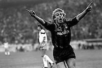 Pix:Michael Steele/SWpix...Soccer. Inter Milan v Aston Villa, San Siro, 1990...COPYRIGHT PICTURE>>SIMON WILKINSON..Inter Milans Jurgen Klinsmann.