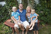 15-08-30 Kochenour Family