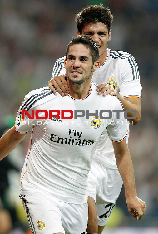 Real Madrid's Isco (l) and Alvaro Morata celebrate goal during La Liga match.August 18,2013. Foto © nph / Acero)