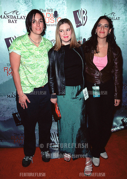 28OCT99:  Pop group LUSCIOUS JACKSON at The WB Radio Music Awards at the Mandalay Bay Resort & Casino, Las Vegas..© Paul Smith / Featureflash