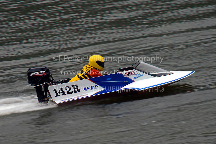 142-R   (Outboard Hydroplane)