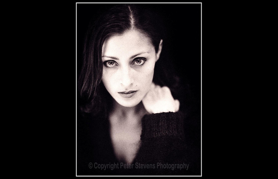 Oezlem - Album cover photo-shoot - Studio, Chiswick - 7th April 1999