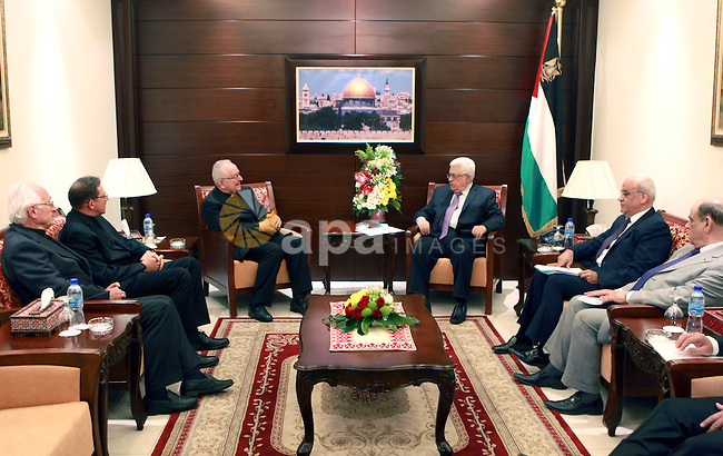 Palestinian President Mahmoud Abbas (Abu Mazen), meets with the Heads of the Jewish community, in Canada, on June 24, 2012. Photo by Thaer Ganaim