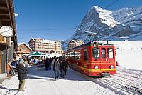 CHE, Schweiz, Kanton Bern, Berner Oberland, Grindelwald: Kleine Scheidegg - Jungfraubahn vorm Eiger (3.970 m) auf dem Weg zum Jungfraujoch | CHE, Switzerland, Canton Bern, Bernese Oberland, Grindelwald: Kleine Scheidegg - Jungfrau train and Eiger mountain (13.026 ft.) heading for Jungfraujoch
