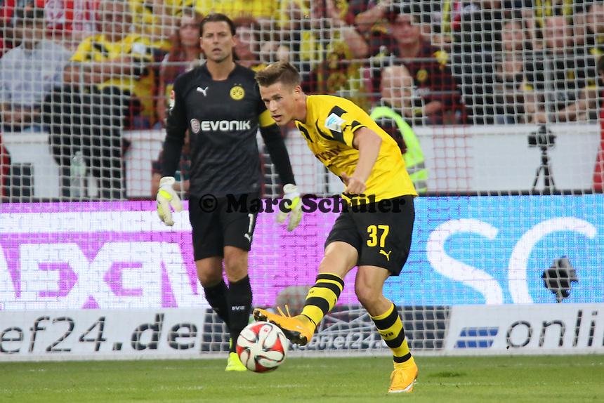 Erik Durm (BVB) - 1. FSV Mainz 05 vs. Borussia Dortmund, Coface Arena